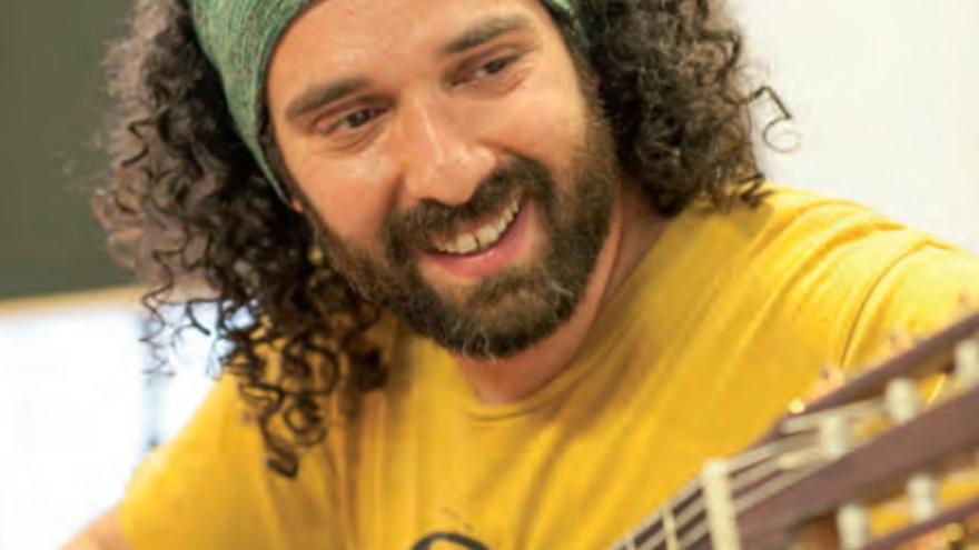 El cantautor Javier Maroto