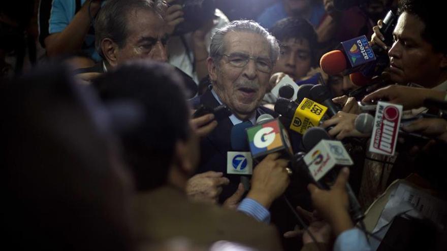 Suspendido el juicio por genocidio a Ríos Montt y separado del de Rodríguez
