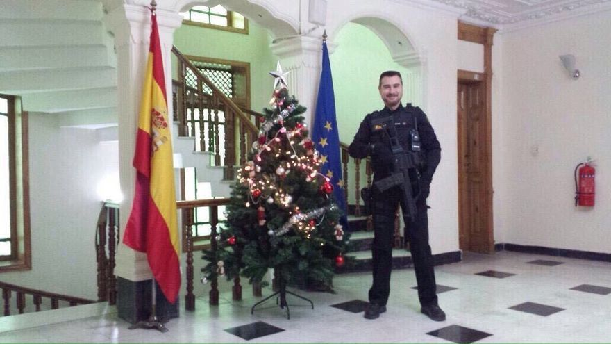 El fallecido en Kabul, en una imagen tomada en la embajada / eldiario.es
