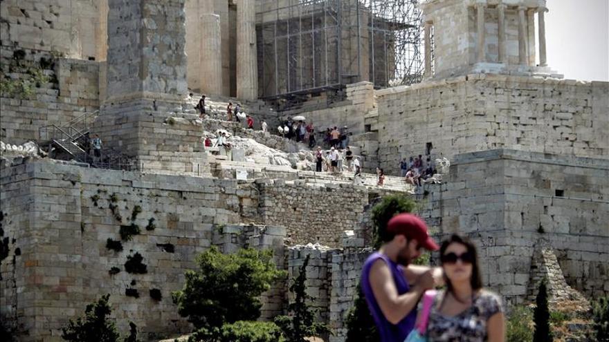 Grecia prevé un incremento del 4 por ciento en el número de turistas en 2014