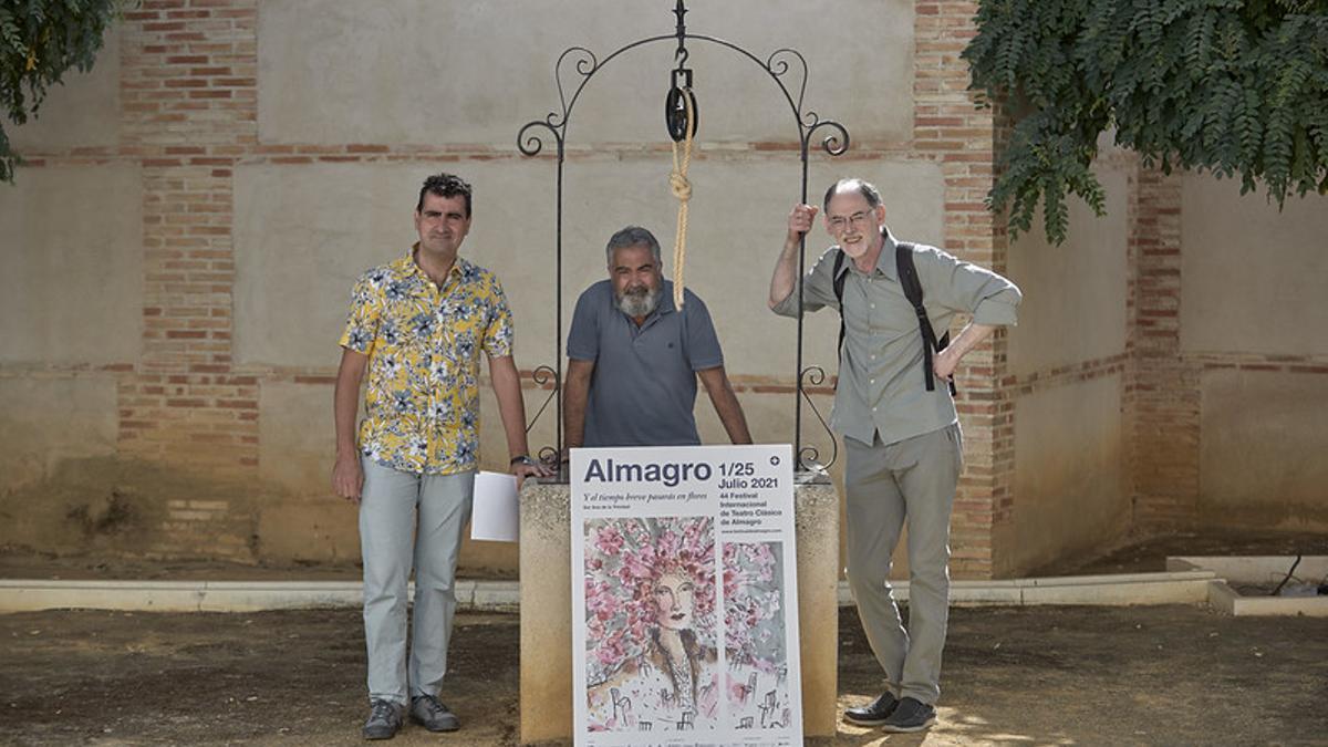 El director del festival, Ignacio García, con director Antonio Augusto Barros y el actor José Russo