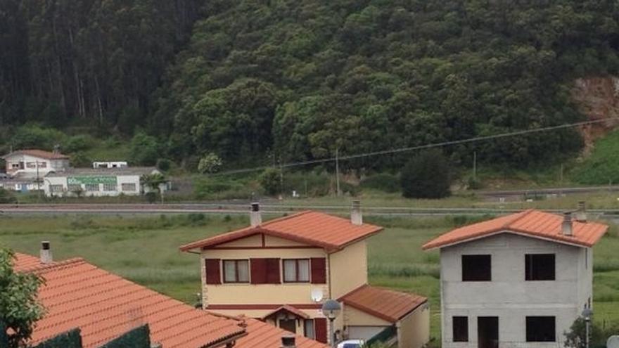 Aprobados los acuerdos para compensar a los afectados por derribos de cien viviendas de Argoños