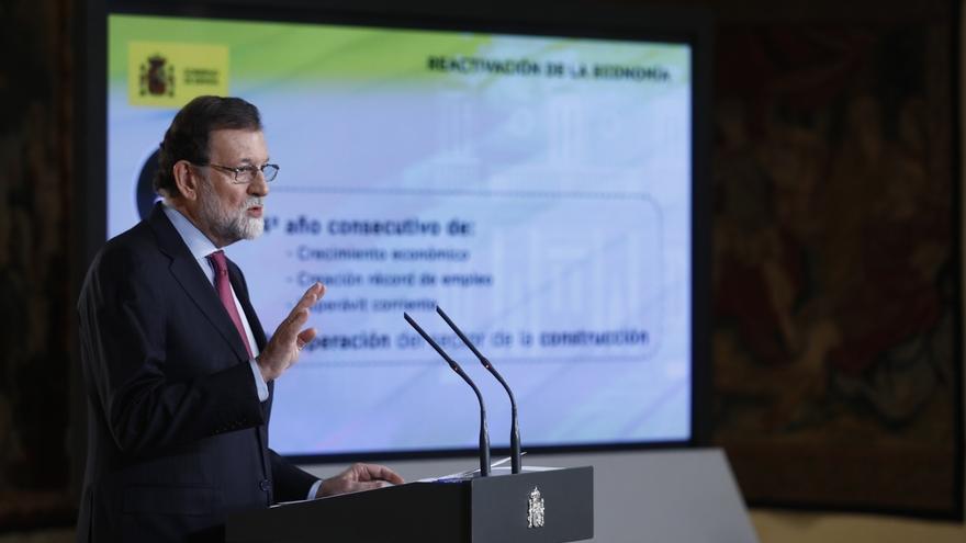 """Rajoy hace un balance positivo del 2017 """"a pesar"""" de la """"tensión"""" en Cataluña: """"Es un año ganado para la recuperación"""""""