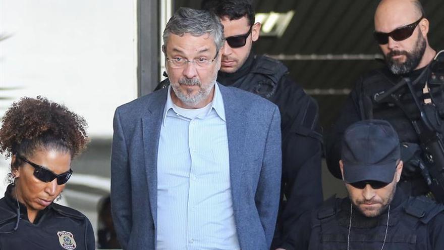 Aceptan los cargos contra influyente exministro de Lula y Rousseff en Brasil