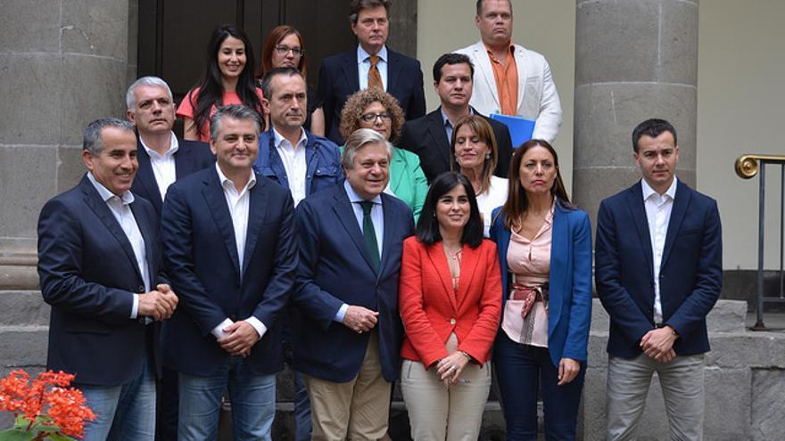 Visita de Leopoldo López Gil al Parlamento de Canarias