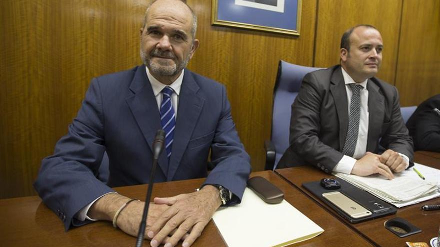 Manuel Chaves abre las comparecencias para aclarar el presunto fraude de los cursos