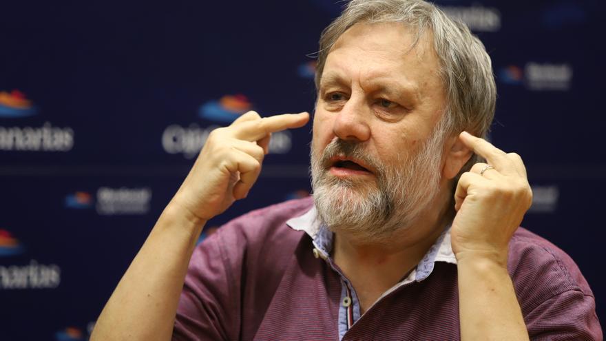 Slavoj Zizek, en un momento de su exposición ante el auditorio del Foro Enciende la Tierra, este jueves