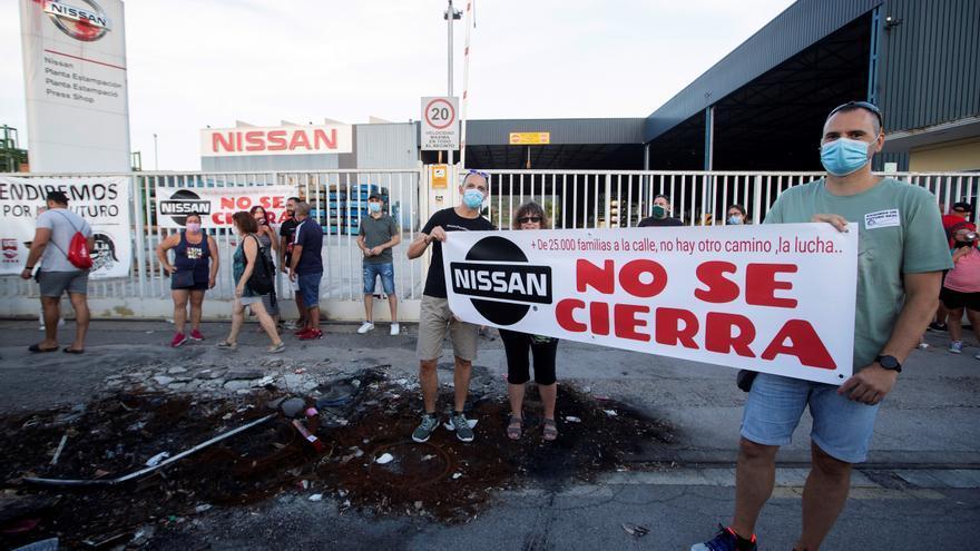Empleados de ocho subcontratas de Nissan inician una huelga indefinida