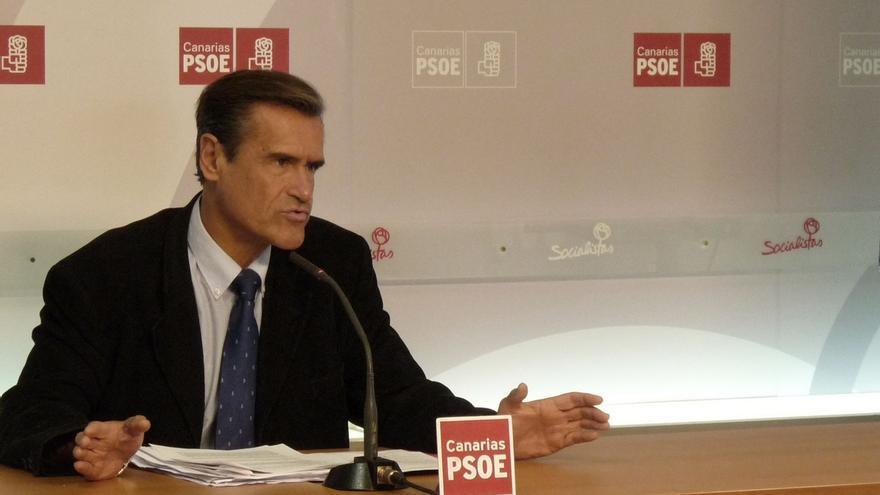 """López Aguilar (PSOE) dice que la manera de frenar las prospecciones es una """"derrota contundente"""" del PP en las urnas"""