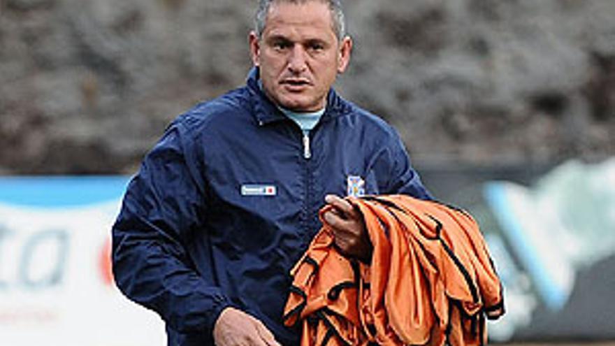 Toño, segundo entrenador del CD Tenerife.