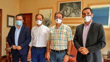Visita institucional de los senadores al Cabildo.