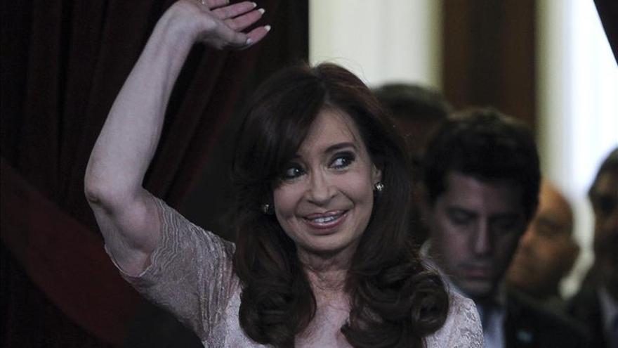 """Opositores denuncian a Fernández por el """"uso indebido"""" de la cadena nacional de radio y televisión"""