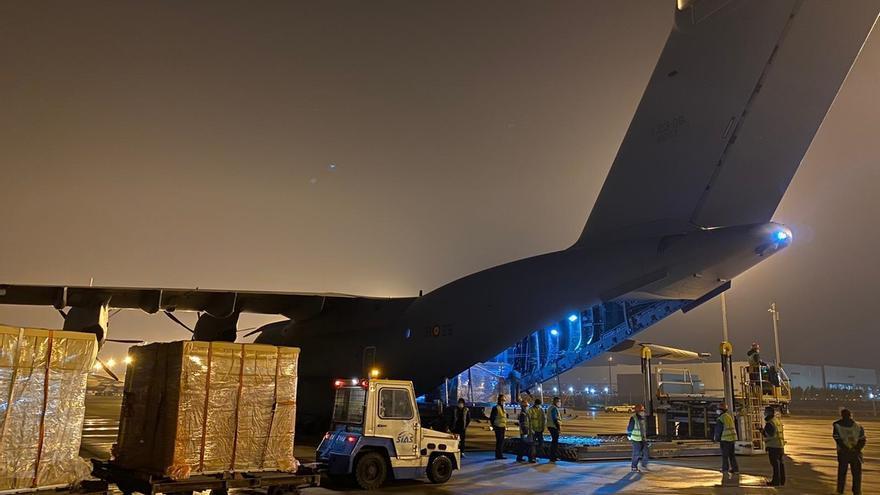Un avión del Ejército aterriza esta tarde en Torrejón procedente de China con 12 toneladas de material sanitario