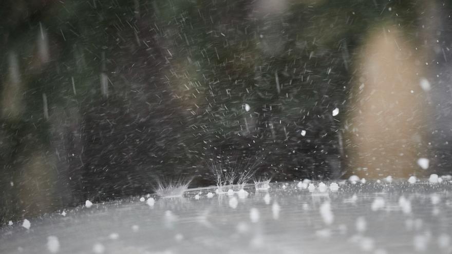 Quince provincias, entre ellas Cantabria, tendrán mañana riesgo por lluvias o tormentas