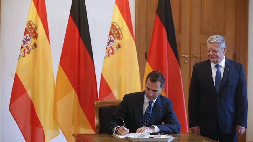 Felipe VI se reúne en Berlín con el presidente alemán