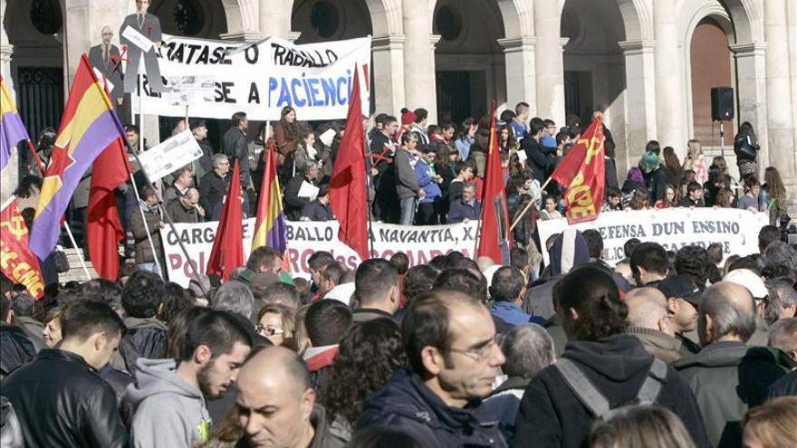 Unos 3.000 estudiantes y obreros de Navantia, juntos contra la Lomce