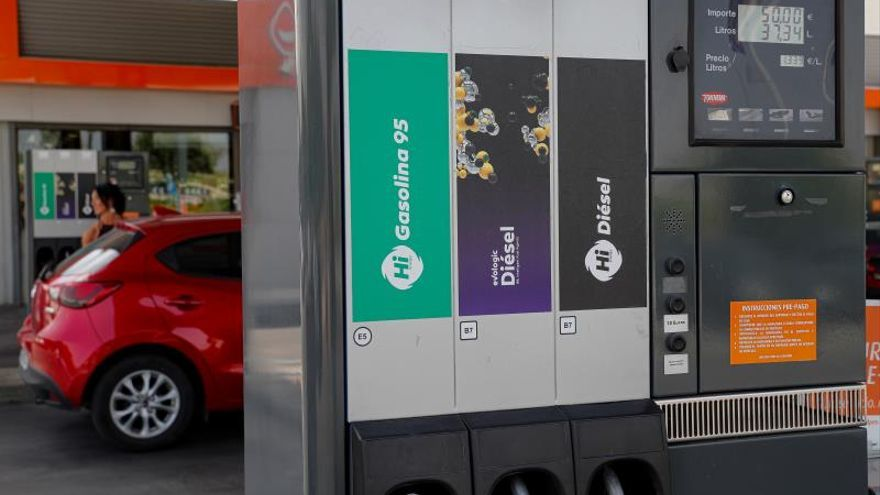 La gasolina y el gasóleo encadenan tres semanas al alza tras una nueva subida