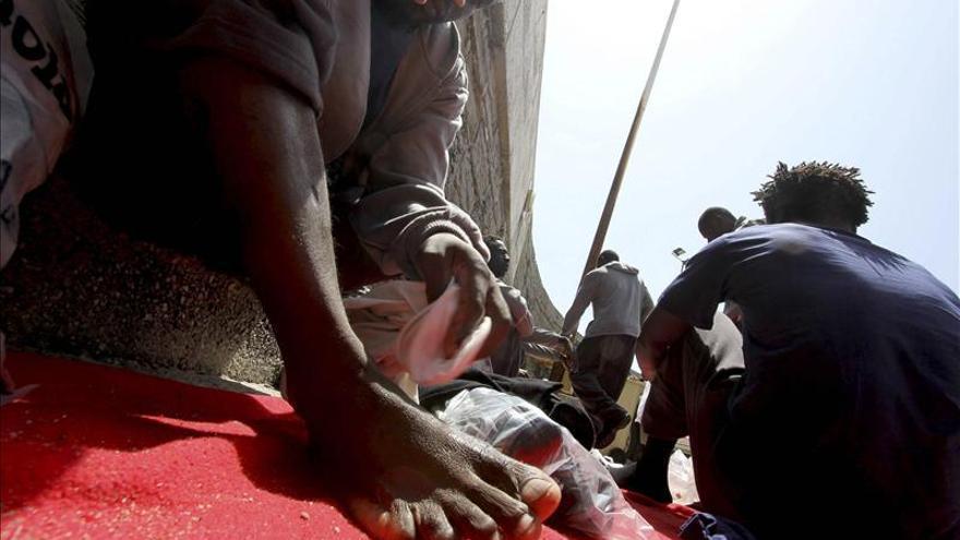 Interceptan una patera con siete inmigrantes a ocho millas de la costa granadina