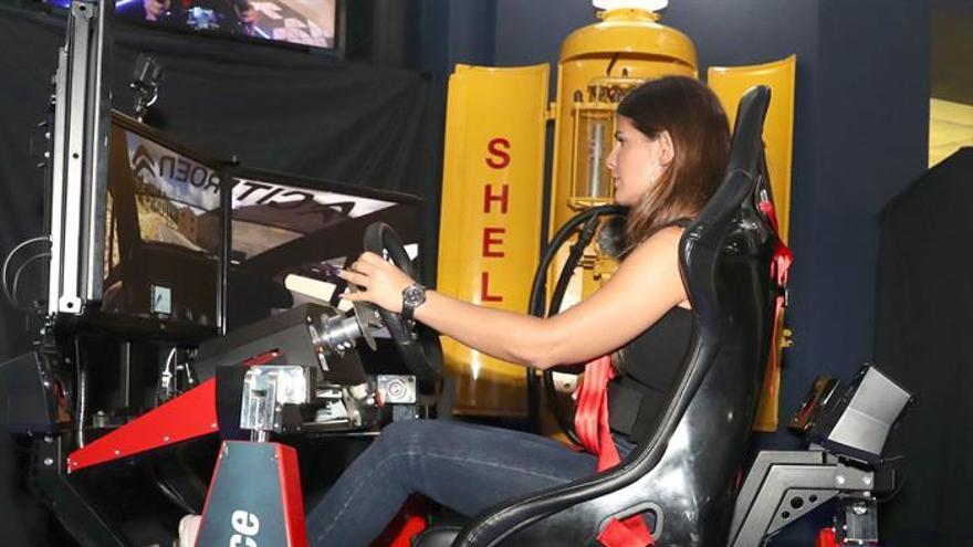 La campeona de Europa de Rallies, la canaria Emma Falcón, durante la inauguración de la nueva atracción del Museo Elder de la Ciencia y la Tecnología.