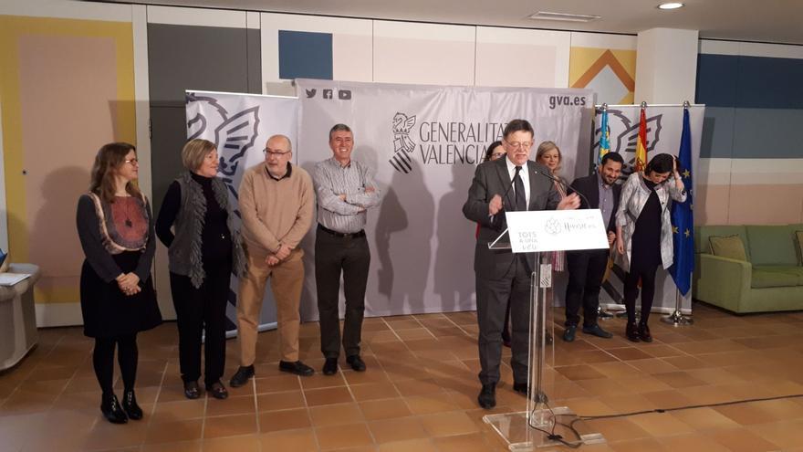 Ximo Puig y los miembros del gobierno valenciano en Benicarló.
