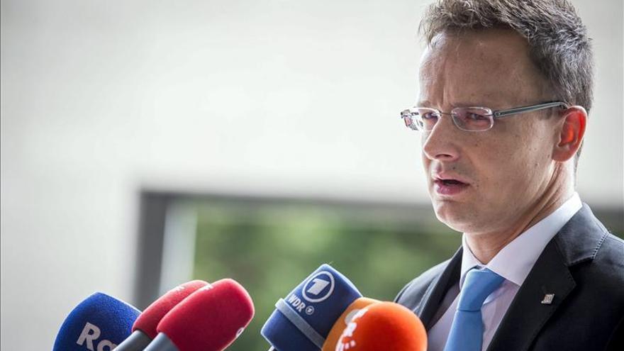 """Hungría, """"indignada"""" por las críticas de la ONU a su trato a los refugiados"""