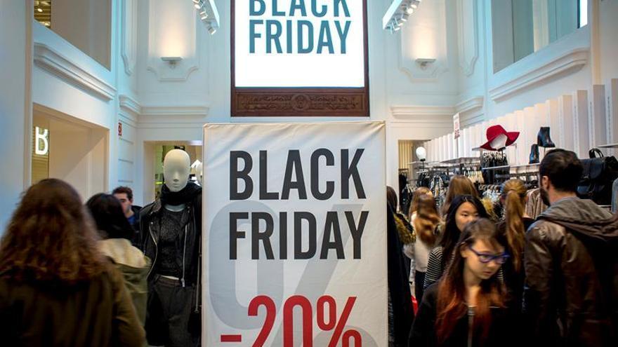 """El """"Black Friday"""" moverá online en España 1.267 millones euros, el 13 % más"""