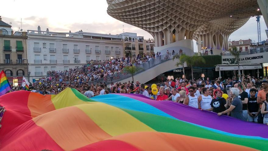 La manifestación, en la plaza de la Encarnación de Sevilla