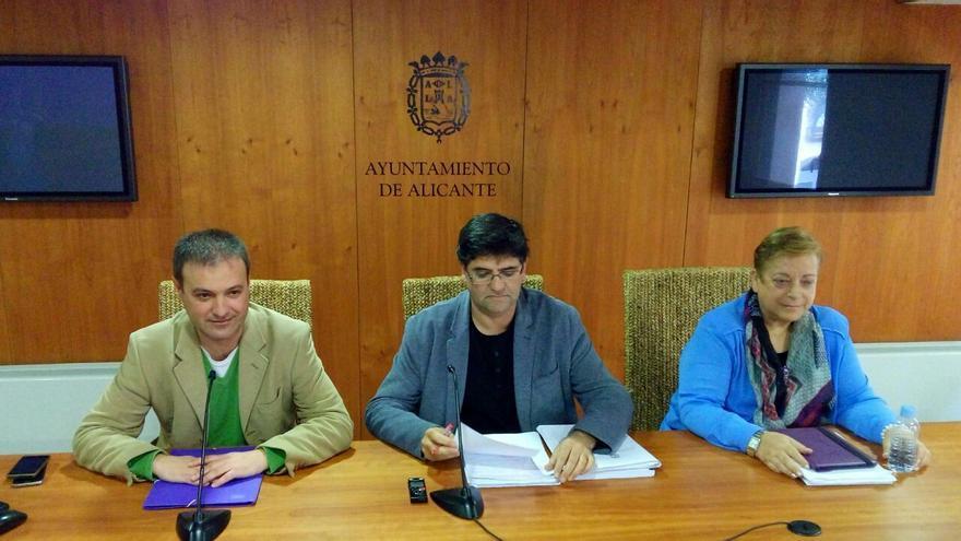 Los ediles del equipo de Gobierno Natxo Bellido, Miguel Ángel Pavón y Sofía Morales