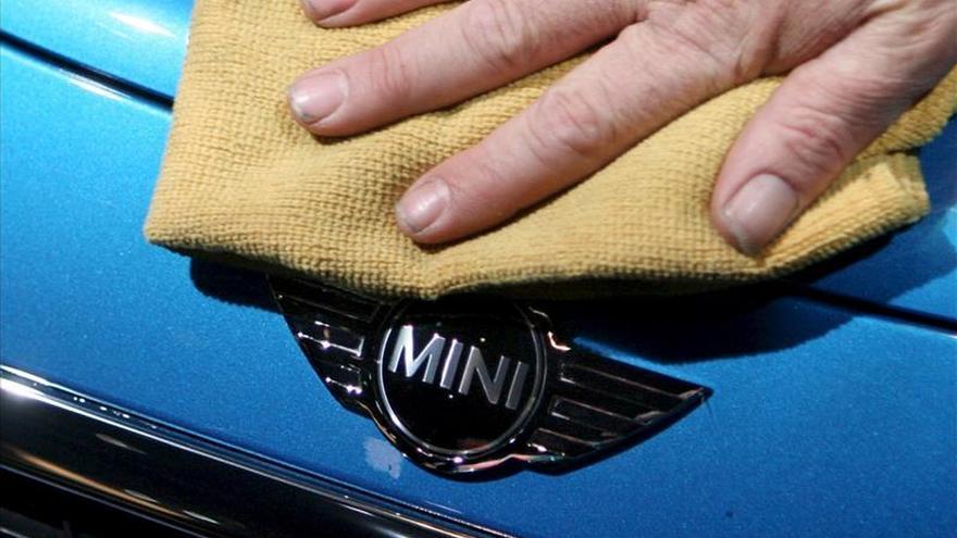 EE.UU. multa a BMW por no llamar a revisión el Mini Cooper 2014 y 2015