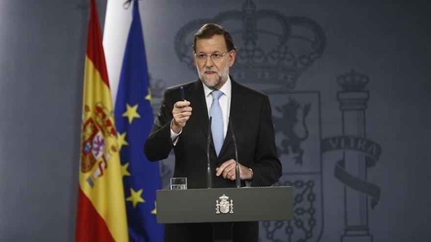 """Rajoy avisa que los que no cumplen la ley son """"enemigos de los ciudadanos"""" y que """"no mirará para otro lado"""" si lo hacen"""