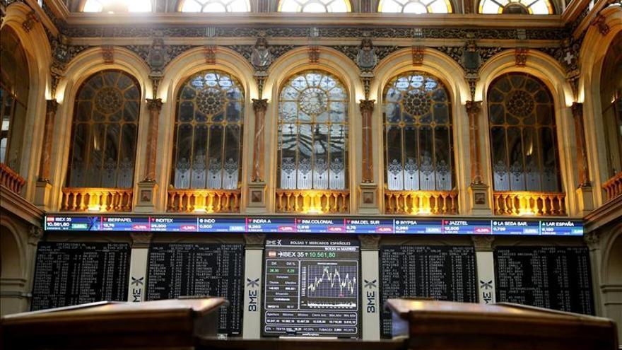 La bolsa española baja el 0,85 por ciento a mediodía