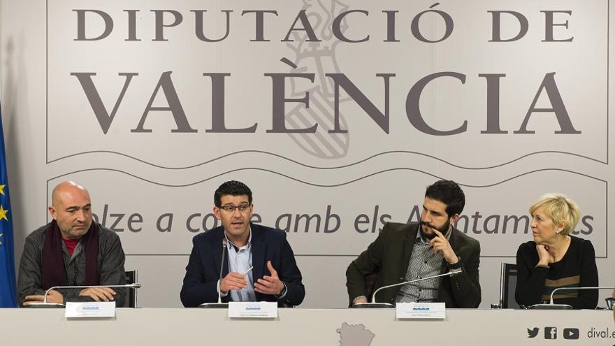 El convenio ha sido firmado por el presidente provincial, Jorge Rodríguez, y el presidente de la Unió de Periodistes, Sergi Pitarch