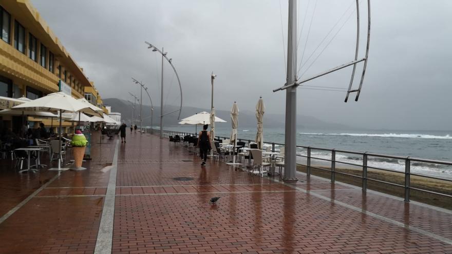 Lluvia en Las Canteras este domingo