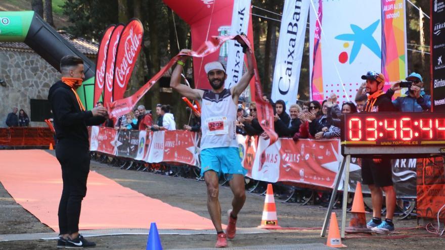 Aritz Egea Cáceres, ganador de la Media Maratón Plátanos Canarias 2019.