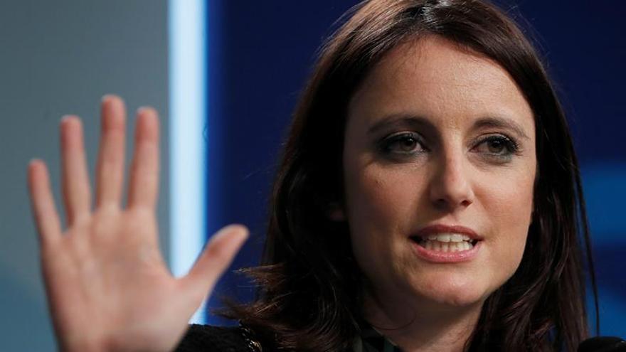 """El PP acusa a Sánchez de negociar con Podemos un referéndum catalán """"emboscado"""""""