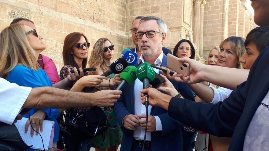 Villegas recalca que quien mete en la cárcel son los jueces y pone el foco en que no haya indultos