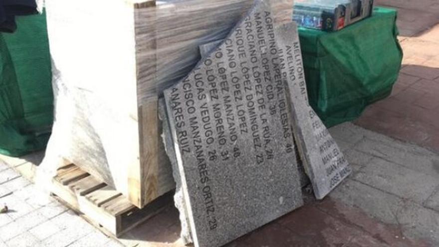 Placas de los represaliados del franquismo desmontadas por el ayuntamiento de Madrid. Foro de la Memoria