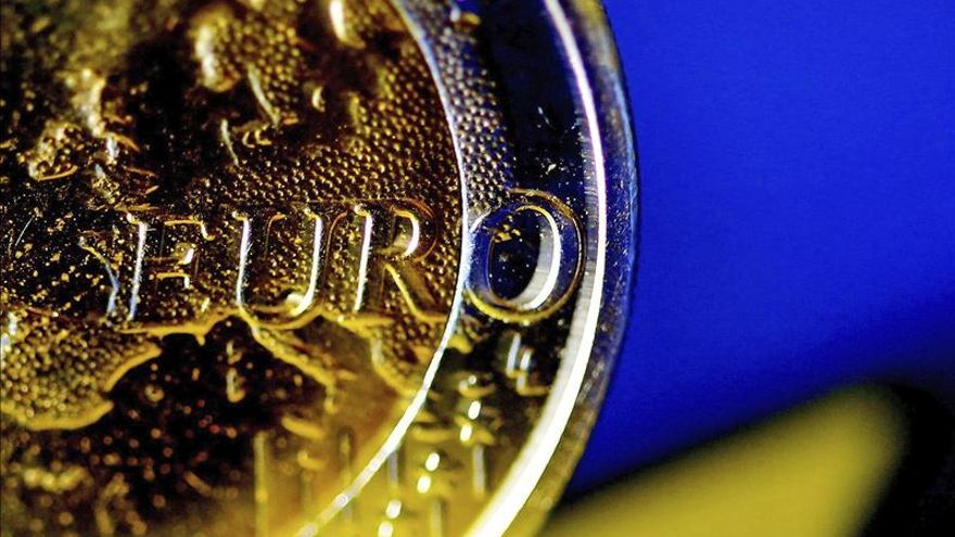 La CE revisa al alza el PIB de la eurozona para este año y 2016
