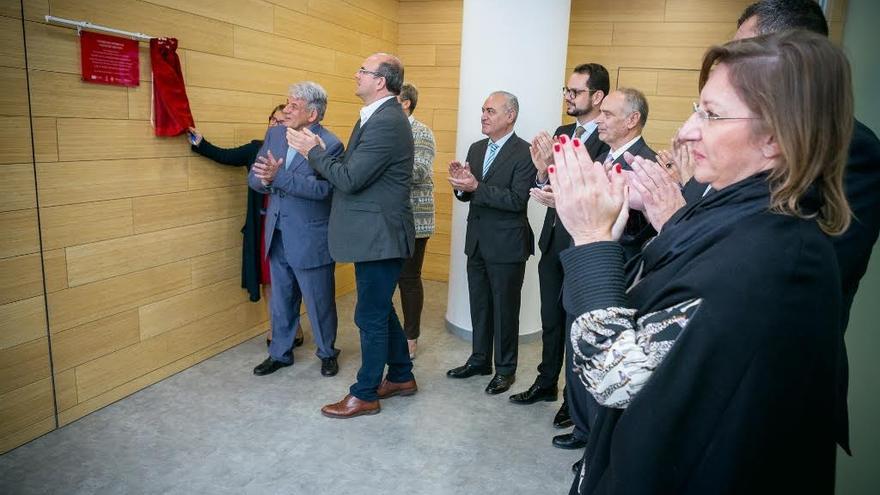 El presidente del Cabildo de La Palma descubrió la placa inaugural.