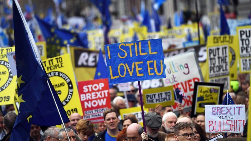 Manifestantes en la marcha celebrada en Londres para pedir un segundo referéndum