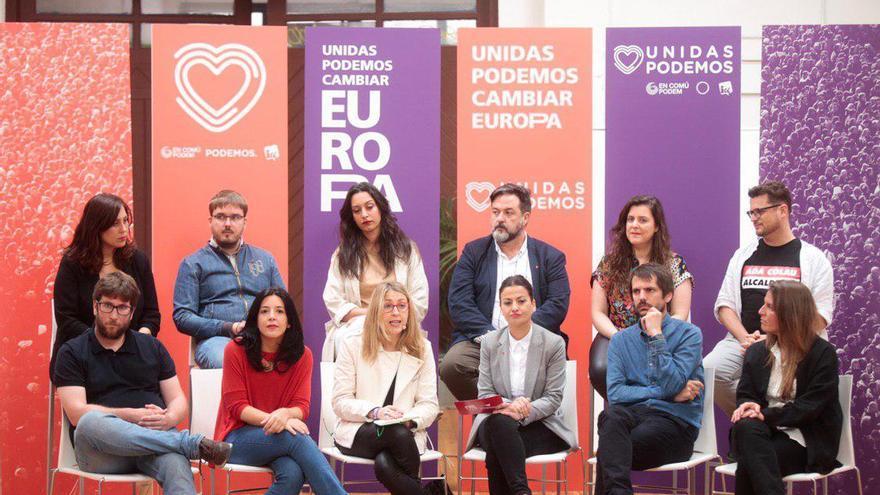 María Eugenia Rodríguez Palop, entre Sira Rego e Idoia Villanueva, en el acto de presentación de Unidas Podemos Cambiar Europa.