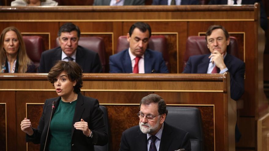 """El Gobierno alerta a los 'comunes' y Podemos de su """"autodestrucción"""" si siguen en la """"indefinición"""""""