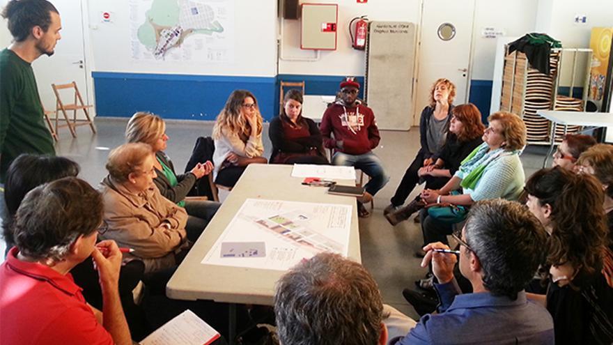 Uno de los talleres que reunieron a vecinos y técnicos municipales. / Paisajes Transversales