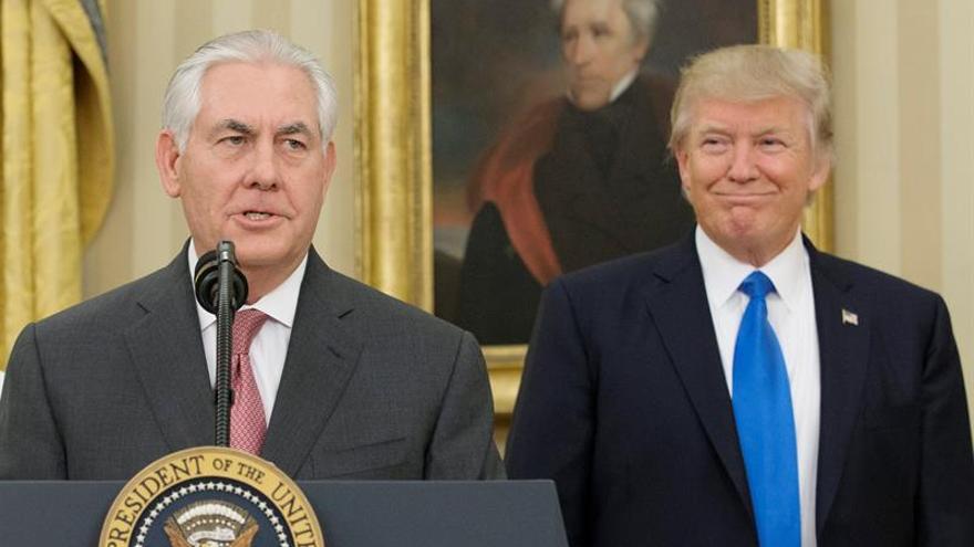 """Trump quiere """"renegociar"""" el acuerdo nuclear con Irán, anuncia Tillerson"""