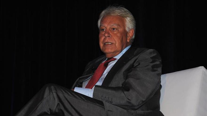 Felipe González pide no confundir el apoyo del partido con el de la ciudadanía
