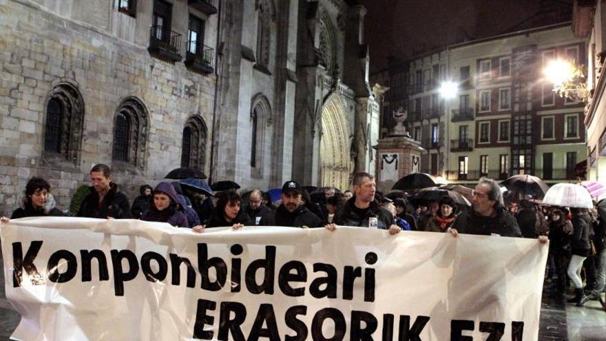 Cientos de personas piden en Bilbao liberar a dos detenidas ligadas con ETA