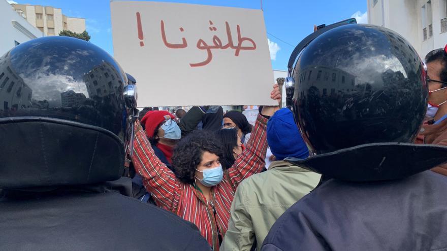 El Gobierno tunecino afronta un complicado y muy tenso voto de confianza
