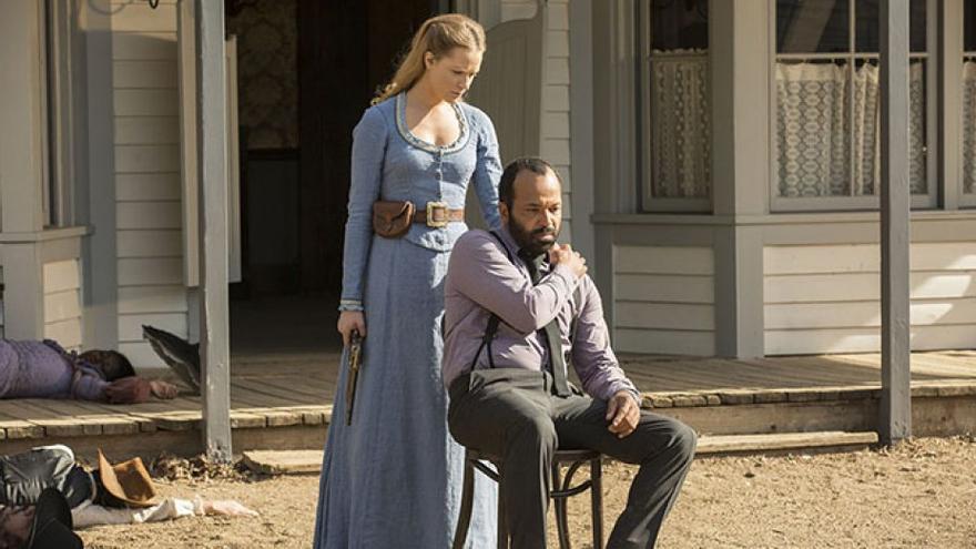 Evan Rachel Wood y Jeffrey Wright en 'Westworld'