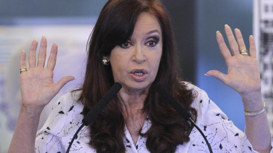 """Cristina Fernández vuelve a la escena pública """"despojada de ambición"""""""