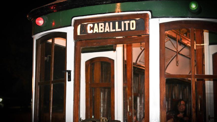 Detalle de uno de los coches del tranvía histórico de Caballito, en Buenos Aires. VIAJAR AHORA